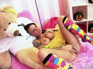 Christy mack works in a garage