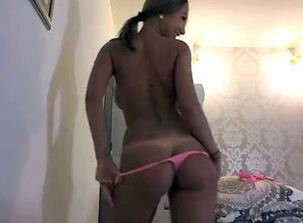 Beautiful girls naked ass
